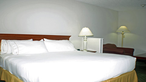 Holiday Inn Express Hotel & Suites Columbus Expo Center - Guest Room