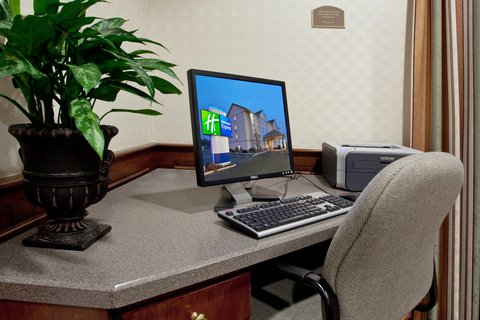 Holiday Inn Express Hotel & Suites Columbus Expo Center - Our Business Center is the perfect place to print boarding passes
