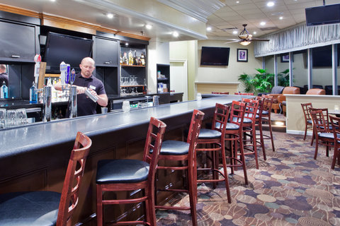 Holiday Inn Charleston Riverview Hotel - Bar and Lounge