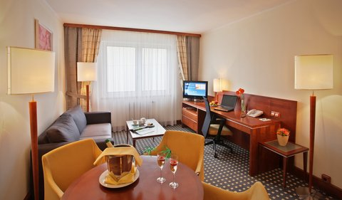 Holiday Inn BRNO - Suite-living room