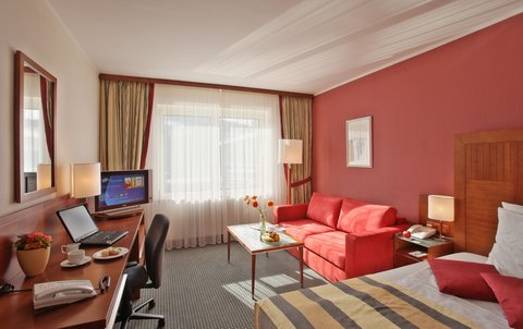 Holiday Inn BRNO - Executive Queen Size Bed Room