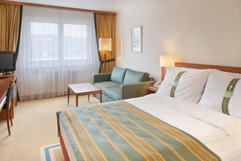 Holiday Inn BRNO - Standard Queen Bed Guest Room