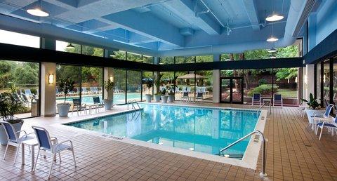 Marriott Charlotte Executive Park Hotel - Indoor Swimming Pool