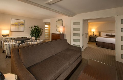 Marriott Charlotte Executive Park Hotel - Executive Suite