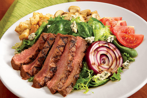 Holiday Inn Hotel & Suites DES MOINES-NORTHWEST - Chargrilled FlatIron Steak Salad
