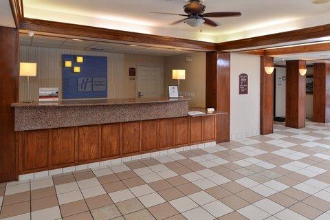 Holiday Inn Express Hotel & Suites Brownwood - Entrance