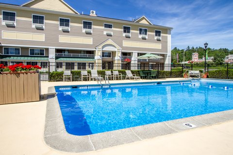 Quality Inn & Suites Evergreen Hotel - Outdoor pool