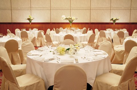 كراون بلازا جنيف - Banquet Room for dinners and wedding parties