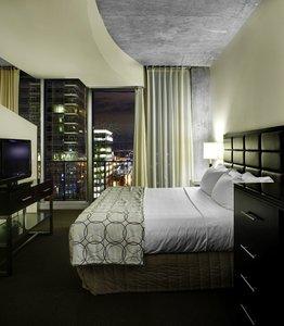 Room - Twelve Atlantic Station Hotel Atlanta