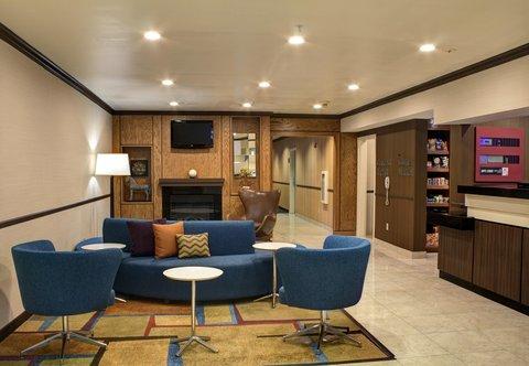 Fairfield Inn & Suites Dallas North by the Galleria - Lobby