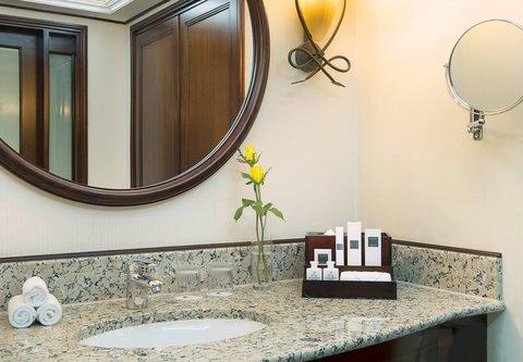 فندق ماريوت جي دبليو دبي - Guest Bathroom