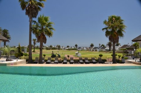 Shelley Point Hotel - Swimming Pool