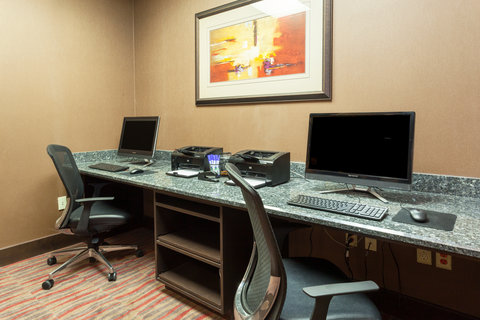 Holiday Inn Express & Suites CHEYENNE - Business Center
