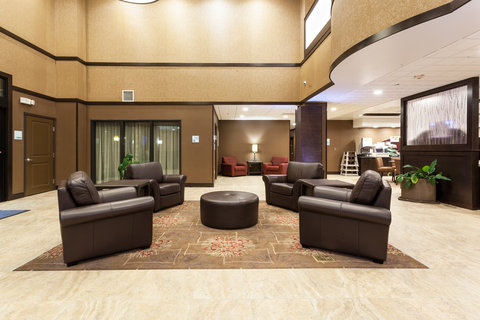 Holiday Inn Express & Suites CHEYENNE - Hotel Lobby
