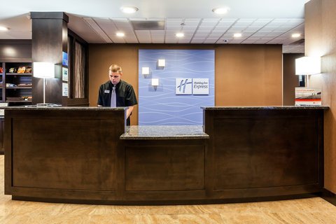 Holiday Inn Express & Suites CHEYENNE - Front Desk