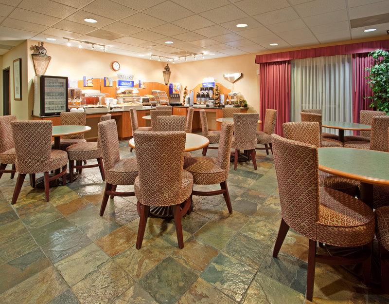 Holiday Inn Express MADERA-YOSEMITE PK AREA - Helm, CA