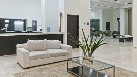 Holiday Inn Express CD. DEL CARMEN - Reception Area