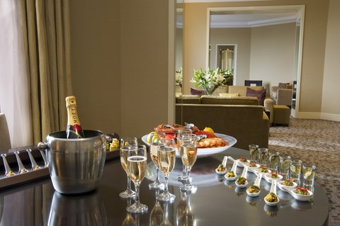 InterContinental Adelaide - King Executive Suite Boasts Sophisticated Style and Design