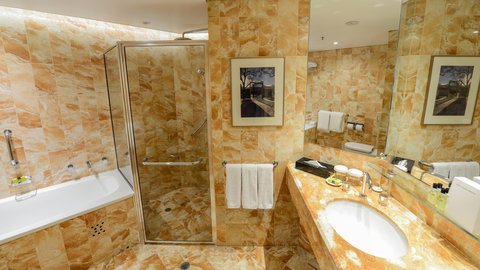 InterContinental Adelaide - Guest Bathroom