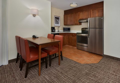 Residence Inn By Marriott Grand Junction - Two Bedroom Suite - Kitchen