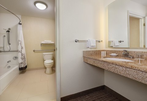 Residence Inn By Marriott Grand Junction - Accessible Suite Bathroom