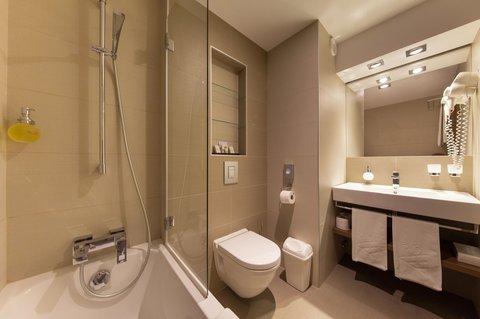 Hotel Victoria - Bathroom