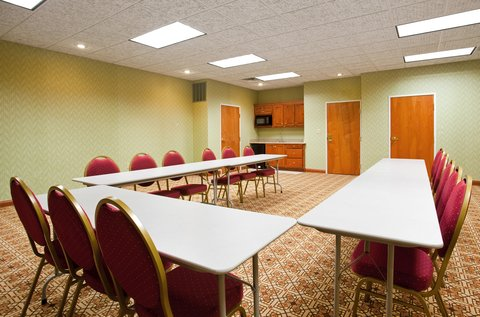 Holiday Inn Express & Suites GOSHEN - Meeting Room