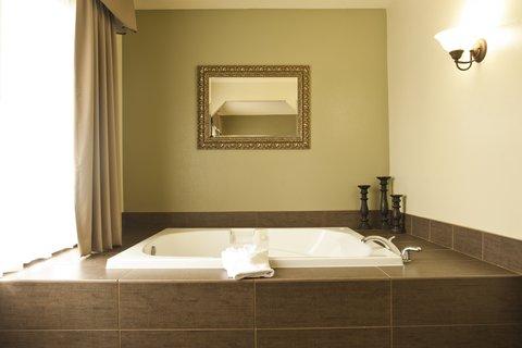 Holiday Inn Express WALLA WALLA - Jacuzzi Suite