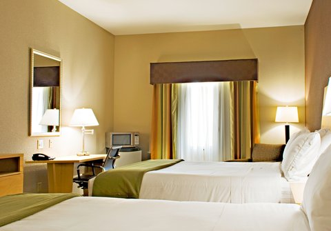 Holiday Inn Express & Suites BORGER - Double Queen Bed Guest Room