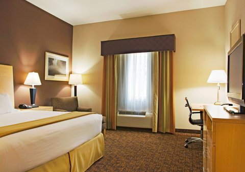 Holiday Inn Express & Suites BORGER - King Bed Guest Room with Soaking Tub