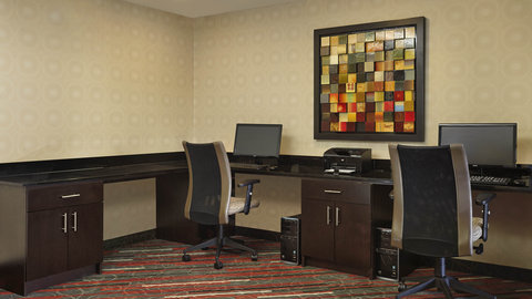 Fairfield Inn And Suites By Marriott Naples Hotel - Prepare for your meeting or surf the web - available 24-hours