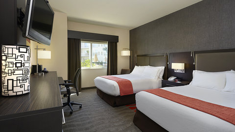 Fairfield Inn And Suites By Marriott Naples Hotel - Two Queen Beds Guest Room with pool view