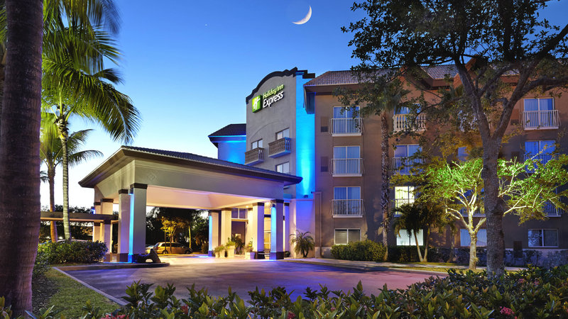 Holiday Inn Express Amp Suites Milton East I 10 In Milton