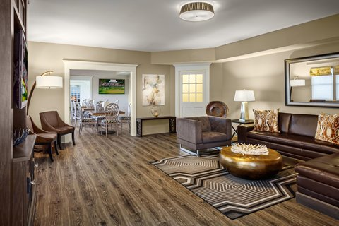 Partridge Inn - Penthouse Living Room