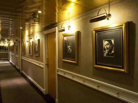 St George Lycabettus Hotel - Boutique corridor