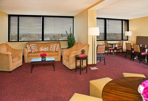 Crowne Plaza BOSTON - NEWTON - Club Floor Lounge