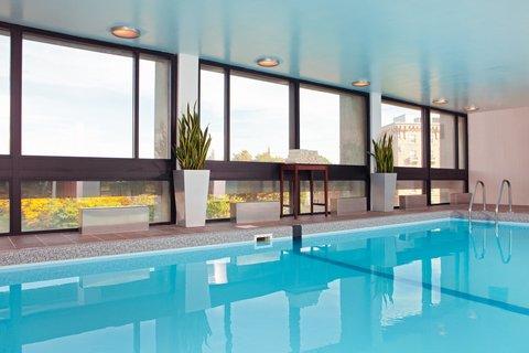 Crowne Plaza BOSTON - NEWTON - Swimming Pool