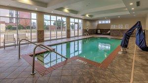 Pool - Holiday Inn North Quail Springs Oklahoma City
