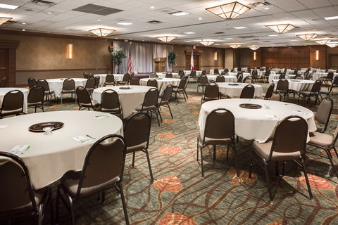 Holiday Inn Hotel & Suites DES MOINES-NORTHWEST - Heartland Ballroom Banquet Dinner