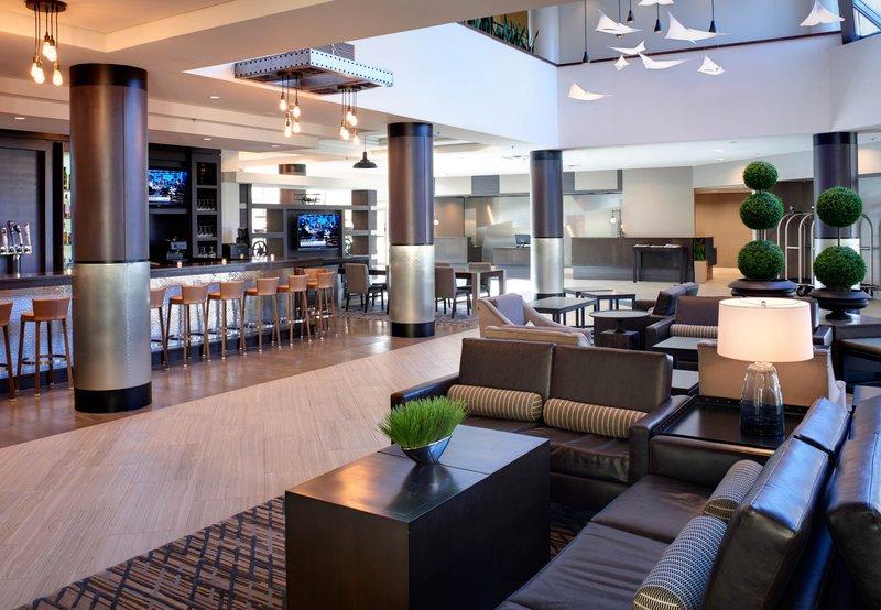 Holiday Resort Hotel Closed In Southfield Mi 48034 Citysearch
