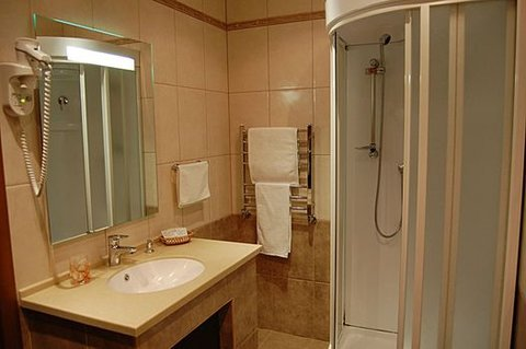 Armenia Hotel - Bathroom