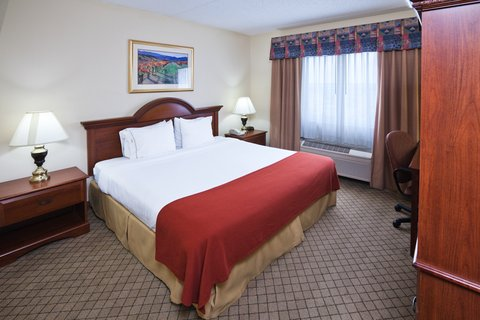 Holiday Inn Express & Suites MESQUITE - King Bed Guest Room