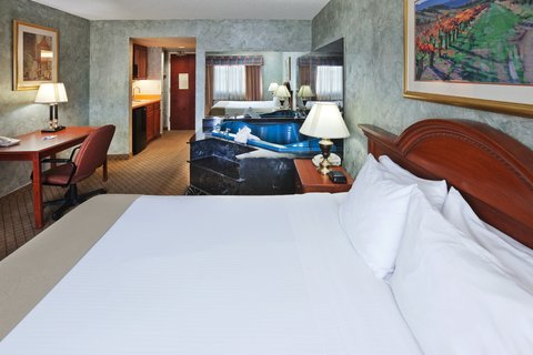 Holiday Inn Express & Suites MESQUITE - Jacuzzi Suite