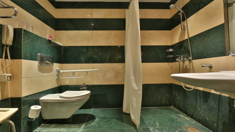 Crowne Plaza Beirut Hotel - Wheelchair Accessible