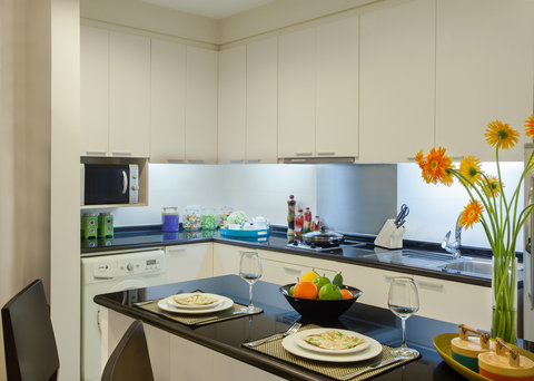薩默塞特和平公寓式酒店 - Kitchen of 1 Bedroom Deluxe