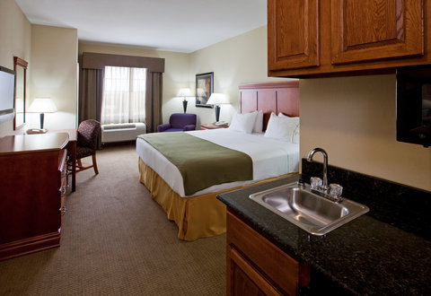 Holiday Inn Express & Suites ADA - King Bed Guest Room