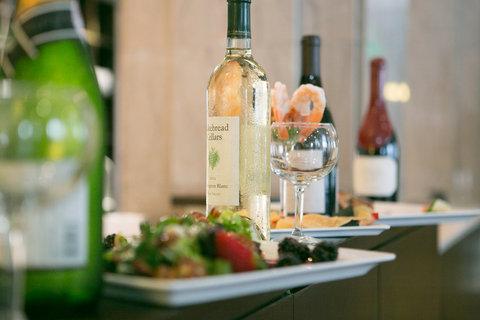 Hotel Indigo NASHVILLE - Food   Wine Packages