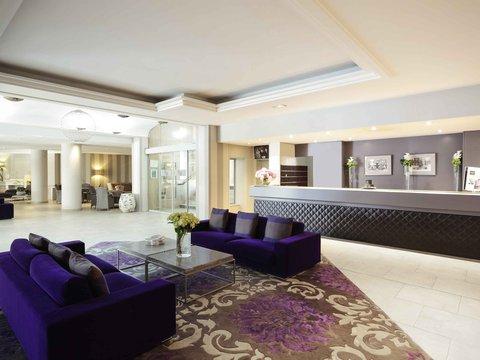 Grand Hotel Mercure Roi Rene - Exterior