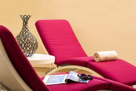 卡諾戛納馨樂庭酒店 - Balcony of 1-bedroom Deluxe apartment  Citadines Croisette Cannes