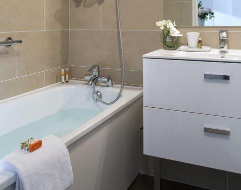 卡諾戛納馨樂庭酒店 - Bathroom of Studio Deluxe  Citadines Croisette Cannes